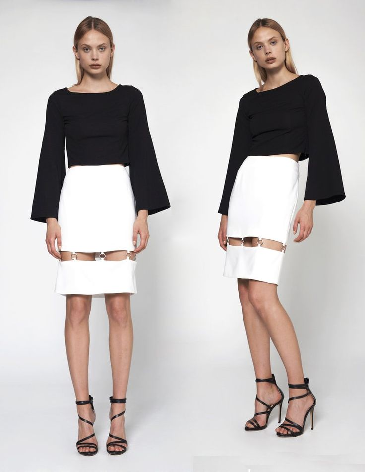 The volume of this #architecturally shaped top makes getting dressed a #breeze. Throw it on with a more #streamlined #bottom and you're out the door! #NeroliAnonyme #CaileyTop #BlackndWhite #Beauty #FashionWear