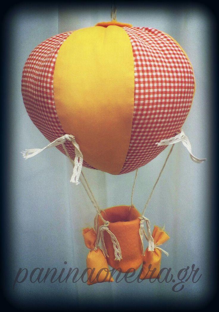 Handmade hot air balloon made of cotton fabrics and felt! #paninaoneira