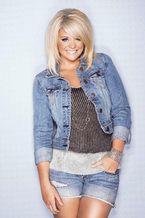 This is Lauren's profile pic on Facebook..I had to pin it! LOVE her hair! Love her!