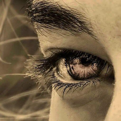 Ci sono certi sguardi di donna che l'uomo amante non scambierebbe con l'intero possesso del corpo di lei. Chi non ha veduto accendersi in un occhio limpido il fulgore della prima tenerezza non sa la più alta delle felicità umane - Gabriele D'Annunzio  #adhocband #enjoy #live #music #rock #frasi #citazioni #pensieri #mattutini #pensierimattutini #sguardi #donna #intesa #amici #amicizia #buona #settimana #buonasettimana #Padova #Verona #Venezia #Treviso #Vicenza