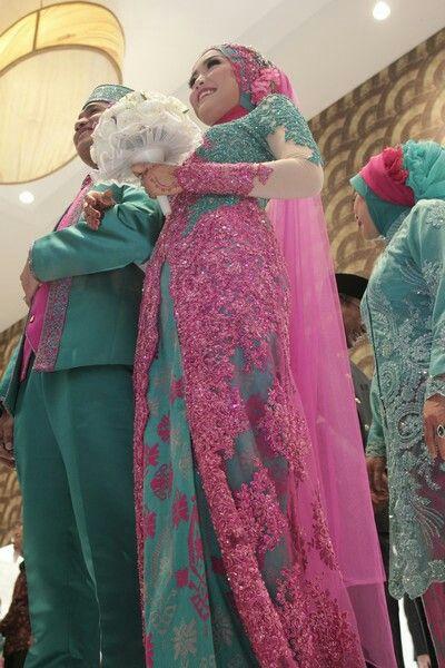 Fuschia and tosca #hijabwedding #kebaya #indonesiawedding