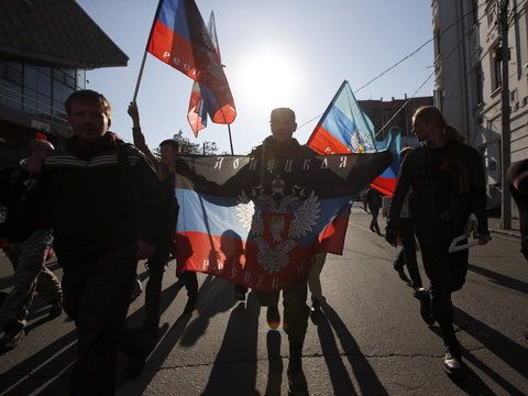 Thousands of Russian citizens are protesting against war and against Putin in Moscow, Petersburg, Yekaterinburg and other cities.