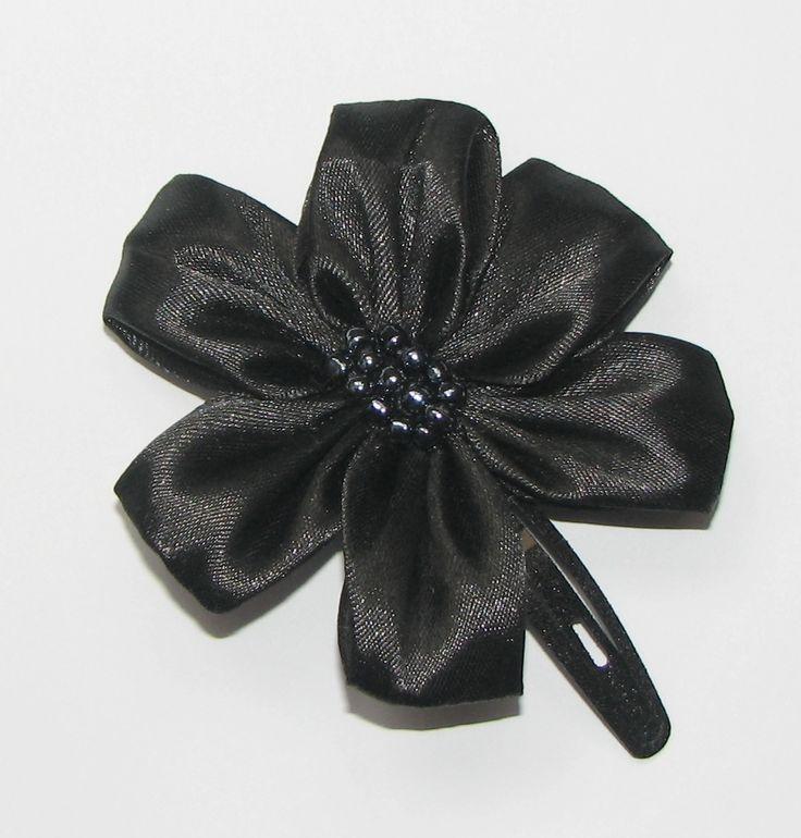 Black ribbon hairclip