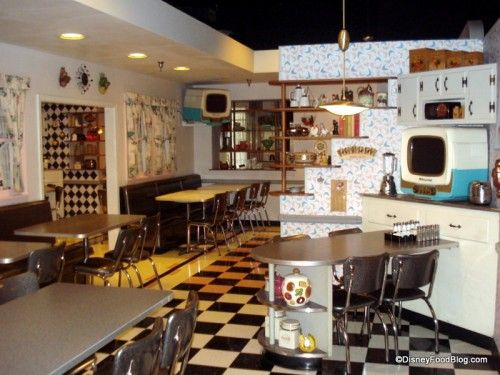 50s Prime Time Cafe. I want to eat here when I am in Disneyland