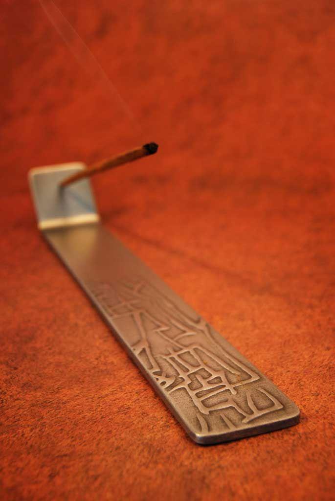 Porta incienso con diseño, Catálogo Internacional.