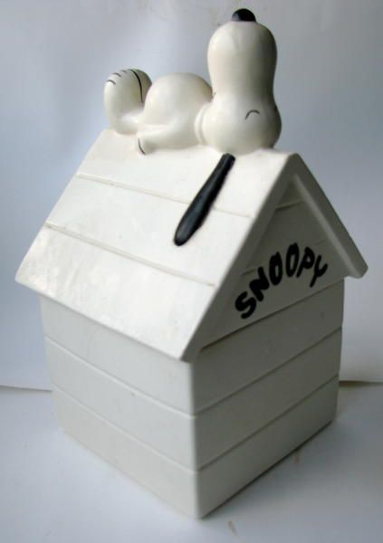 Snoopy on a dog house on Collectors Quest