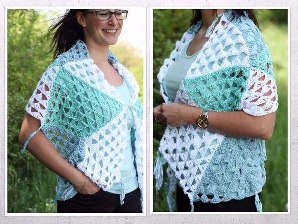 Diese Stola besticht durch das wunderschöne Muster aus Dreiecken. Ihr werdet mit einem Blickfang für euren Kleiderschrank belohnt :-) Es besteht aus 22 einzelnen Dreiecken, die jeder so zusammen setzen kann, wie er möchte. Dadurch entsteht ein individu