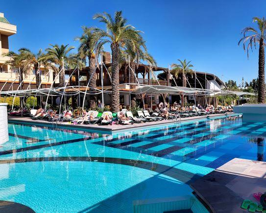 Crystal Deluxe Resort & Spa - Kemer / Antalya - Tatilcantam.com http://www.tatilcantam.com/forms/HotelDetail.aspx/crystal-deluxe-resort-n-spa