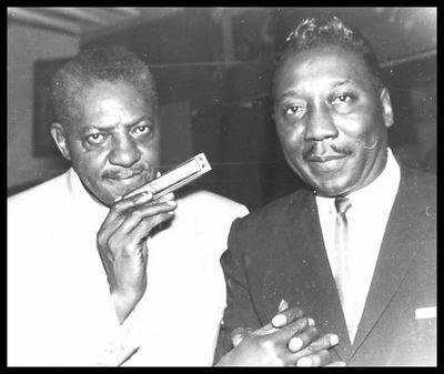 Sonny Boy Williamson (II) & Muddy Waters © George Adins