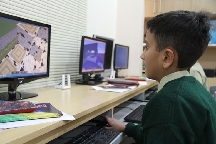 """Last spring, when students from The Cathedral School of St. John the Divine in New York City took Level Up Village's Global Minecraft Builders course, they were paired with partner students at iEARN Pakistan in Karachi, and the result was extraordinary one-to-one global collaboration.  """"They built a transportation system at Pakistan's suggestion, a hospital that Cathedral organized, and even a collaborative flower garden, which required both classes to recall their point plotting skills…"""