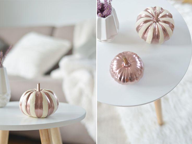 Do It Yourself: Kürbisse ansprühen / anmalen in Kupfer mit Kupferspray // Muster Chevron Streifen DIY Pumpkin: https://bonnyundkleid.com/2015/10/herbstdeko-kuerbisse-kupfer-anspruehen/