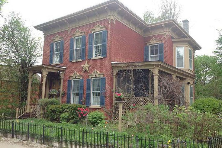 17 best images about brick homes to love on pinterest for Italianate homes for sale