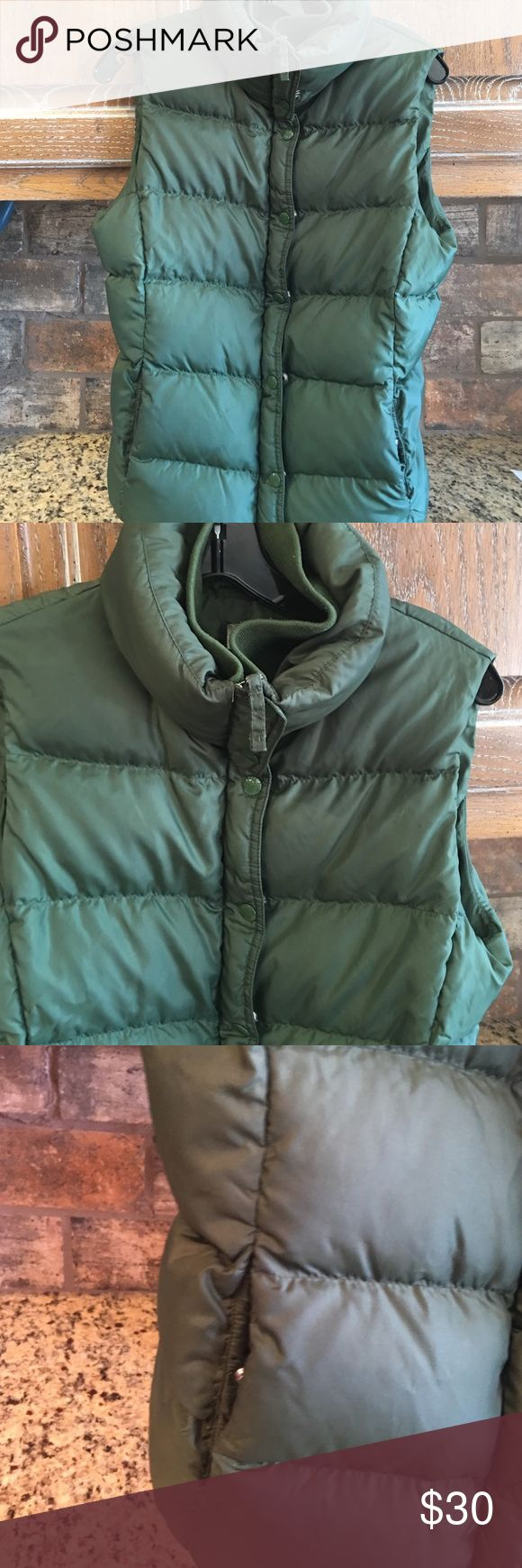 J Crew green puffer Down vest Sz med J Crew puffer vest. Sz med. good condition no holes or stains. Down filled. Bust 36 length 24 j crew Jackets & Coats Vests