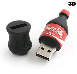 Pen Drive Completamente Personalizzata 3D. (USB DRIVE) raffigurante la Coca Cola.  Per informazioni: http://bestpromotion.it/index.php/hi-tech-personalizzati-pubblicitari/disegna-pen-drive.html