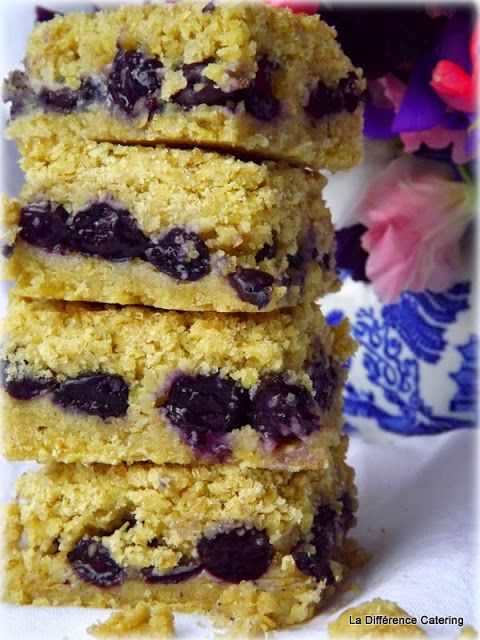 La Difference Catering: Blueberry Crumble Bars