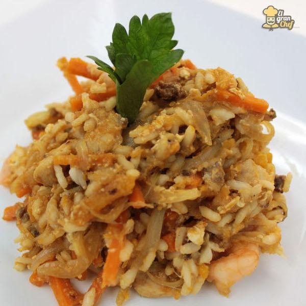 C mo hacer arroz frito recipes delicious food pinterest - Como hacer pimientos verdes fritos ...
