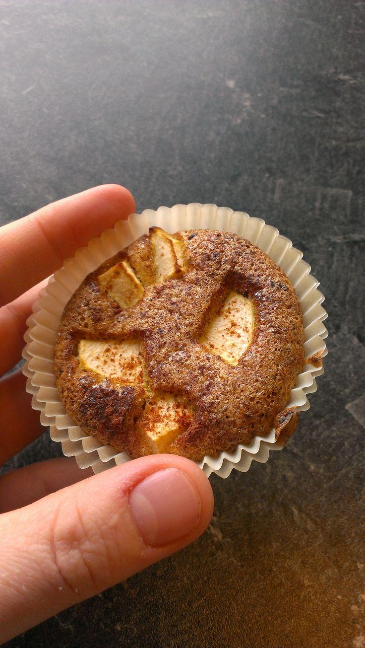 Mandelmuffins med eple – Det er lov å kose seg midt i uka!