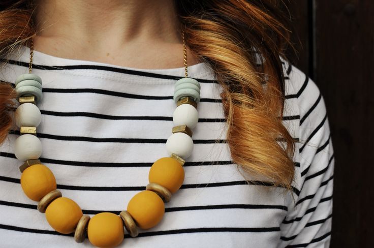 Metal & Wood Necklace | Yesterday's Sweetheart There are so many colour combinations I love, but blue and yellow is one of my favourites (oh yes, and just add gold!). This is a super easy craft to make and doesn't require any jewelry making skills....