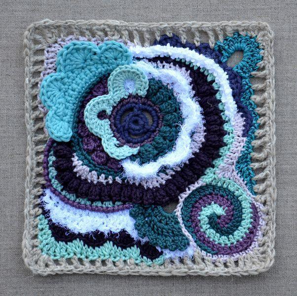 http://leblogdemarie.fr/2012/04/02/crocheter-en-liberte/