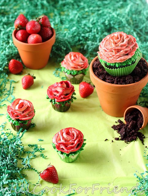Flower Pot Cake- Devil's Food Cake with Strawberry Swiss Meringue Buttercream from Will Cook for Friends: Cakes And Cupcakes, Amazing Cupcakes, Cake Cupcakes, Cupcakes Cookies, Flower Pots, Awesome Cupcakes, Flower Pot Cake
