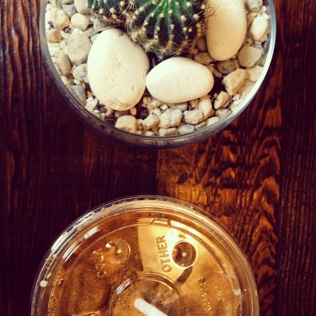 L'heure du #café froid. Chaleur oblige ☀️   #montréal #IndieCoffeePlace #vscocam (à Le Couteau)