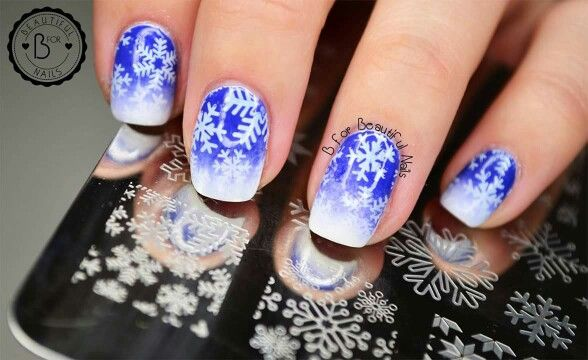 B.05 let it snow  <3 #BlovesPlates #winter is coming! #stamping #stampingplate #naillife #manicure #nails