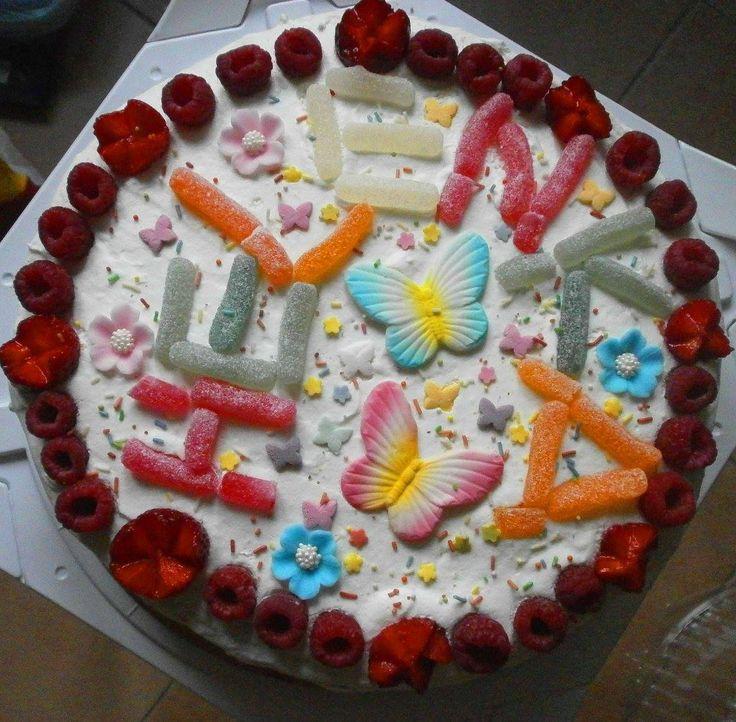 Tort śmietankowo-truskawkowy