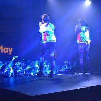 ティーガン&サラとJR JRがカナダでヒルトンHオナーズのための公演を開催