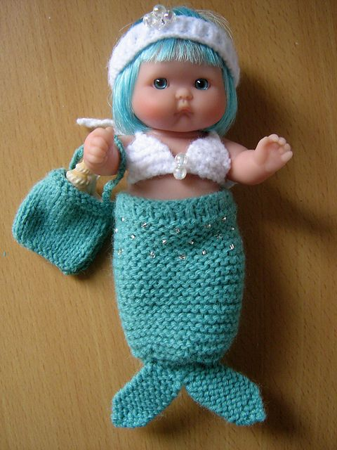 Knitting Pattern For Baby Mermaid Outfit : 17 Best images about Berenguer Baby Dolls 5 inches on Pinterest Rompers, Cr...
