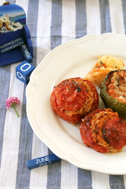 Donkey and the Carrot: GEMISTA! STUFFED TOMATOES AND PEPPERS! ΓΕΜΙΣΤΑ! ΤΟ ΦΑΓΗΤΟ ΤΟΥ ΚΑΛΟΚΑΙΡΙΟΥ!