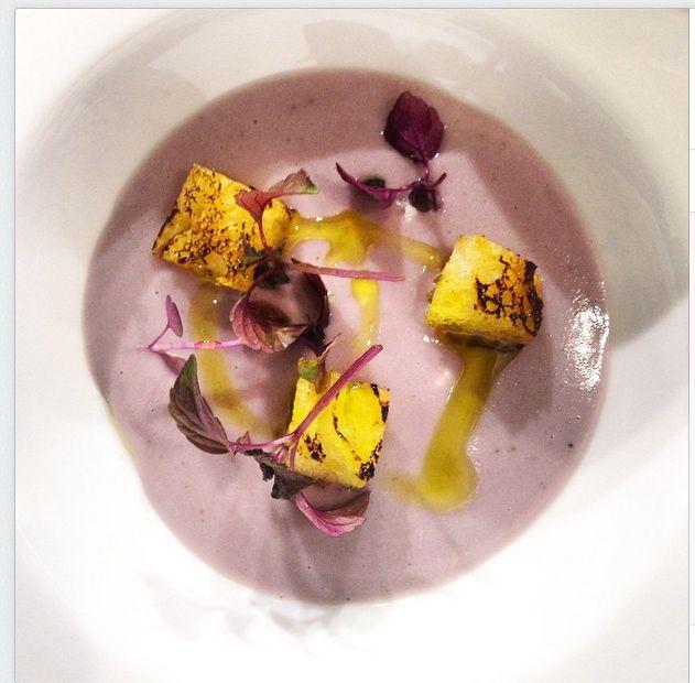 Chef Eugenio Boer Fonduta, crema di patate viola e due fettine di coniglio crudo marinato #chef #cooking #food