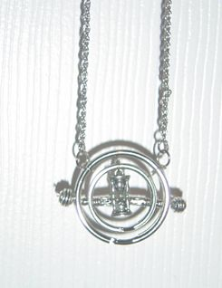 Harry Potter Time-Turner.  This website is cool! All kinds of Harry Potter crafts!