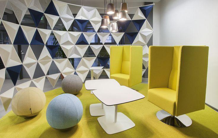 Amore table, design: Thomas Eriksson   Boullée stool, design: Anders Johnsson   Monolite easy chair, design: Sandin & Bülow