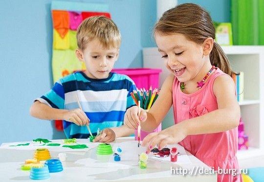 Как организовать рабочее место для детского творчества