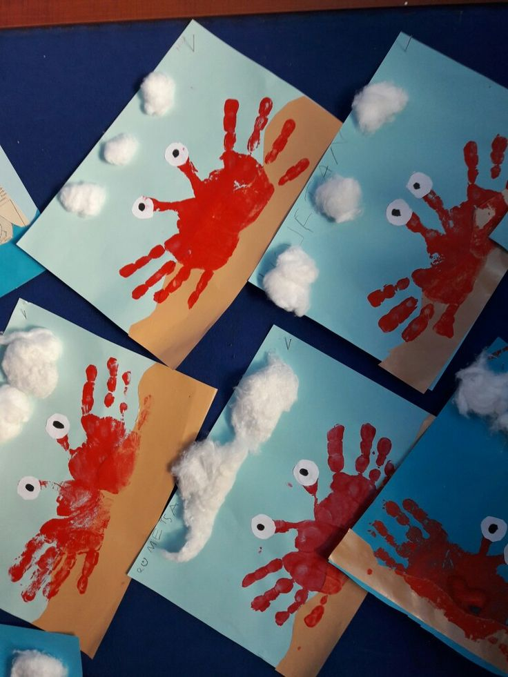 Wir basteln mit den Händen. Krabben basteln mit Kindern