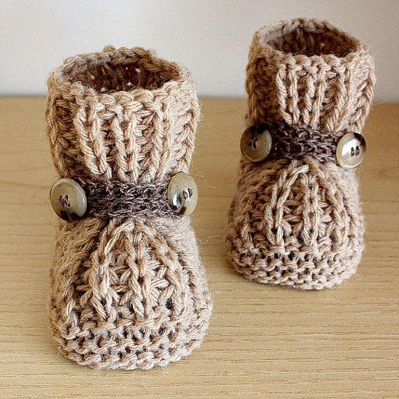 le scarpine per Bimbo o Bimba ( la misura 0-6 mesi)  Le scarpine fatte a mano - mix lana( lana, alpaca, acryl) colore - marrone