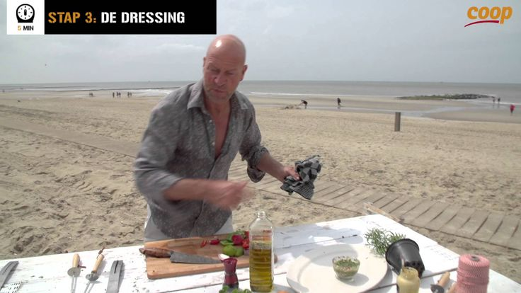 René Pluijm maakt een barbecuespies a la Portugal