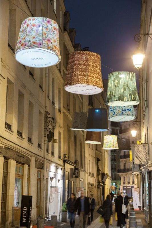 Romantic promenade by night in Paris streets - Linen Lux 2016 par Masters of Linen - Home collections Fabrics