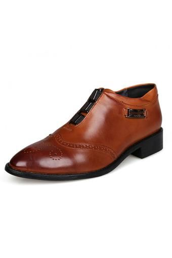 Bullock Carved Leather High-end Men's Business Casual Shoes Pointed   ราคา: ฿899.10   Brand: Unbranded/Generic   See info: http://www.topsellershoes.com/product/49034/bullock-carved-leather-high-end-mens-business-casual-shoes-pointed