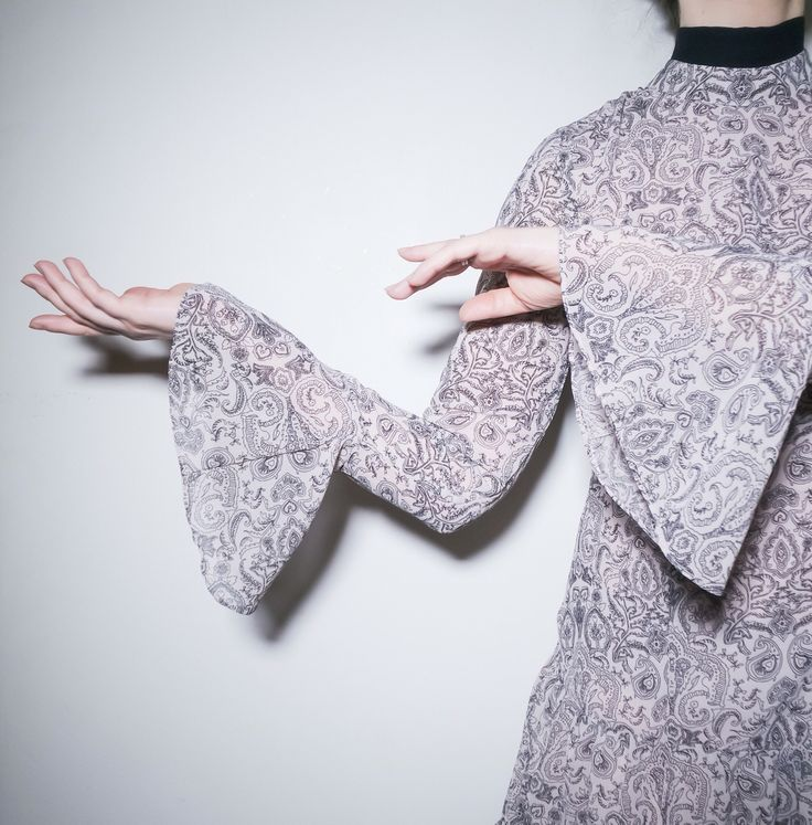 Dress with ruffles.