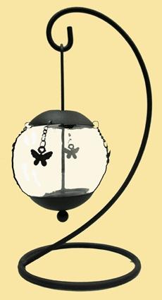 Portavelas de forja de color negro con adornos de mariposas. Altura: 25 cm..    #Forja #Decoracion #Deconline #Regalo
