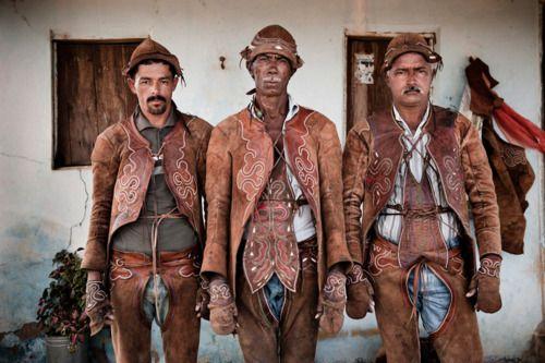 Luis Fabini:  vaqueiros (northeast brazilian cowboys)