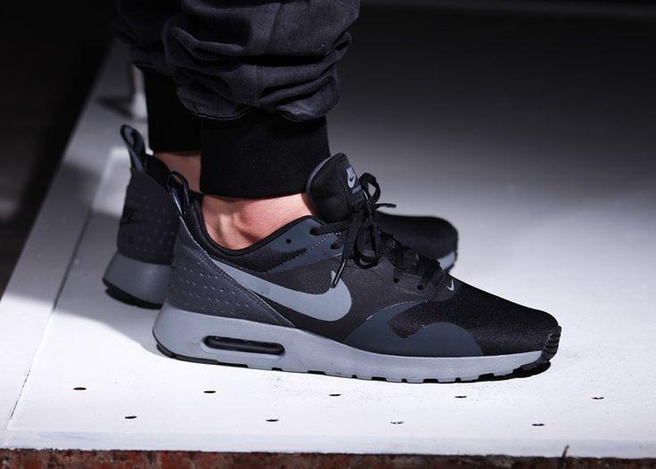 Nike Air Max Tavas noir et gris