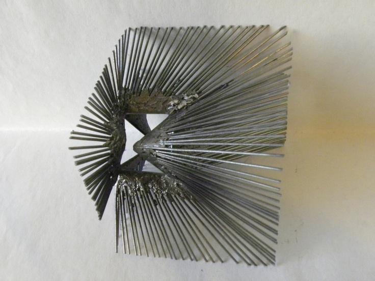 ZIGZAG - rayos cúbicos Escultura en Alambre Damián Sondereguer