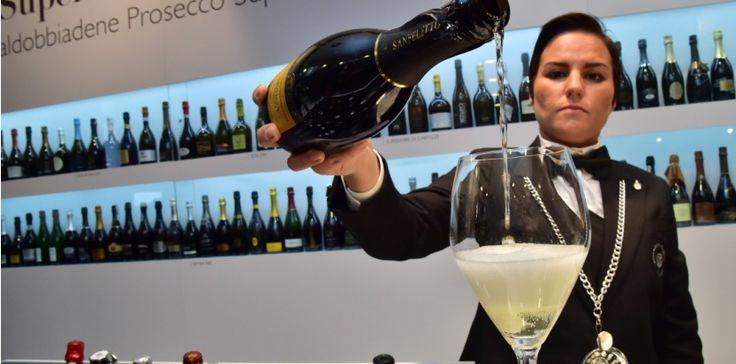 Le prosecco, ce vin pétillant italien, s'exporte de mieux en mieux.  (C) AFP