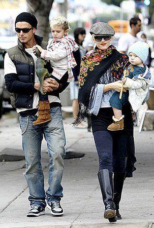 #accessory #scarf #fall #fashion #style #gift #handmade #elegant #shawl #wool #silk #Russian #romantic #trendy #clothing #Winter #lifestyle #Pavlovo Posad #Fashion week #street style #moda #Russian Olympics Sochi 2013#