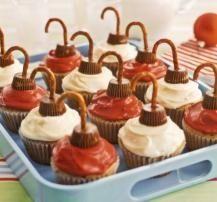 cupcake ornaments: Holiday, Christmas Food, Cupcake Ornaments, Sweet, Edible Ornament, Christmas Treats, Christmas Cupcakes, Christmas Ornament, Ornament Cupcakes