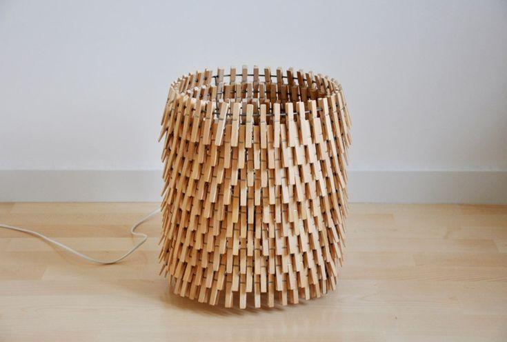 Aus Wäscheklammern eine Lampe als Hingucker gestalten