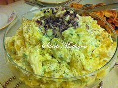 Size enfes bir salata tarifi vermek istiyorum. Yiyen herkes tarafından tam not aldı. Patates ve krem peynirinin uyumuna hayran kalacaksın...