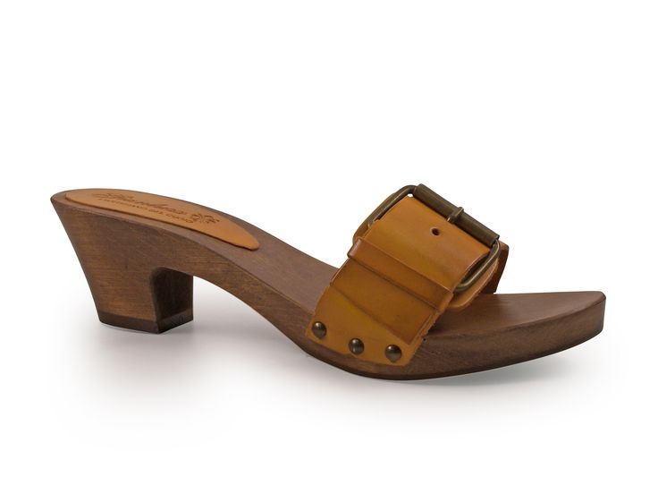 Sun color mules wooden low heels with metal buckle